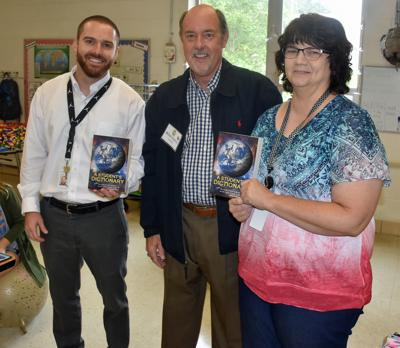 Ruritans donate books to Moneta Elementary