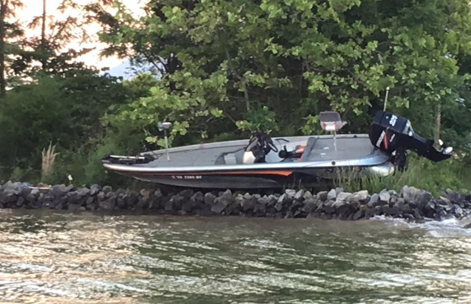 No injuries in weekend boat crash community for Fishing spots near me no boat