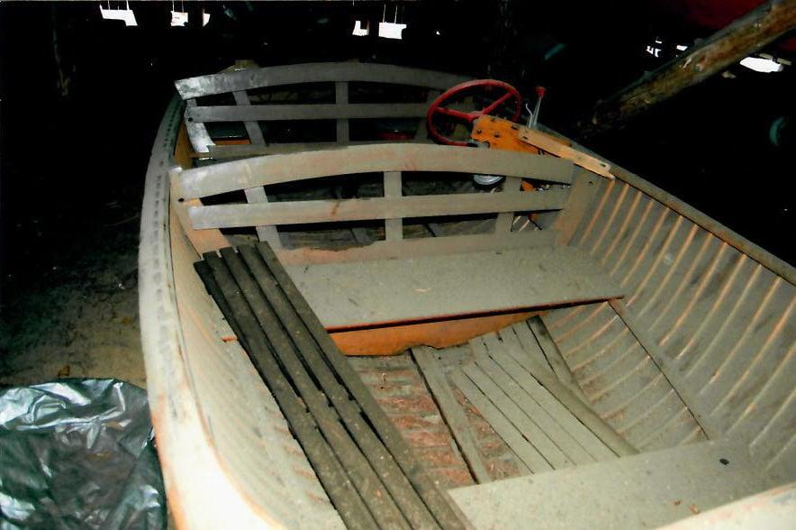 Boat show boat