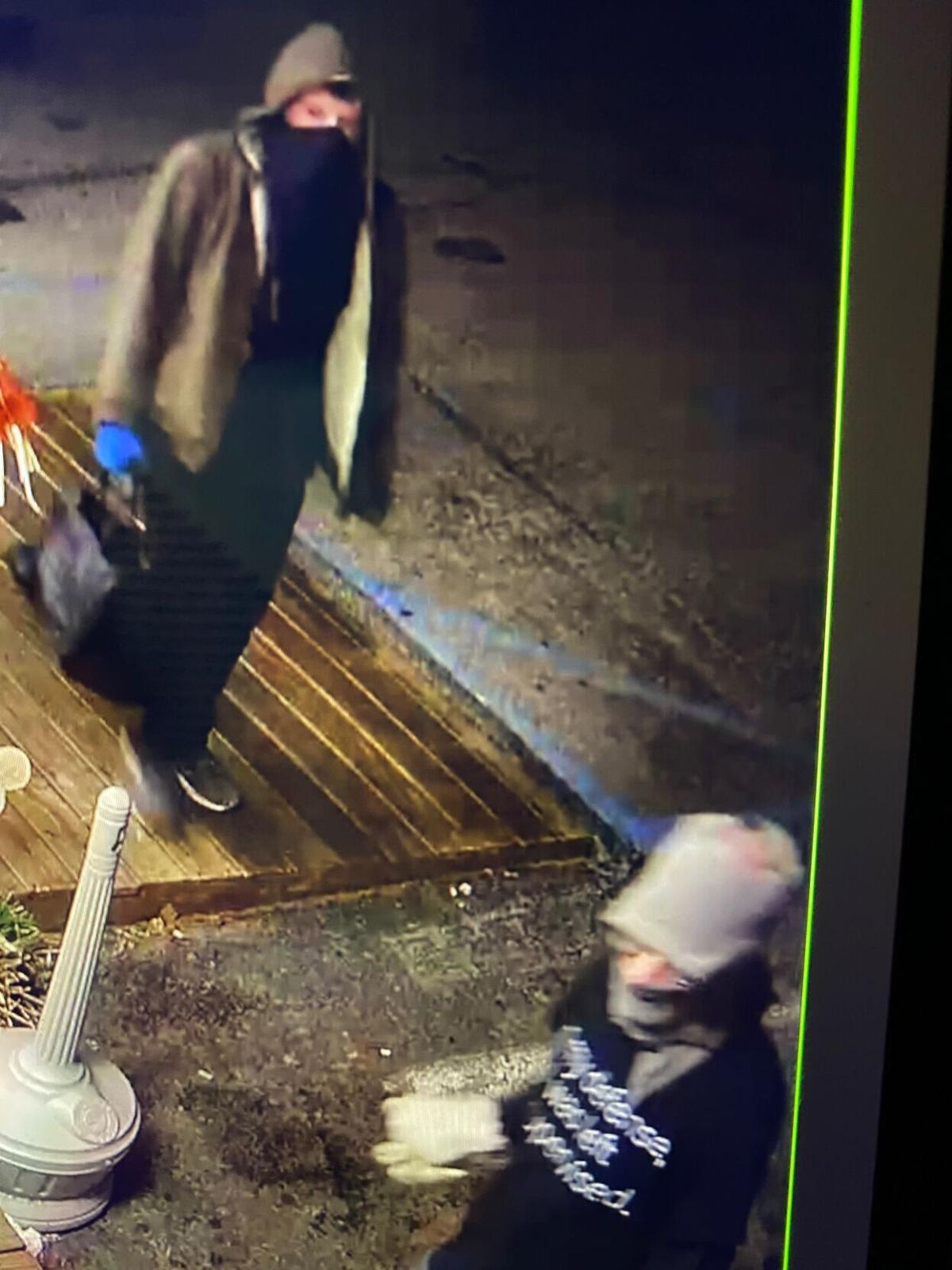 Suspects sought in Franklin County burglaries