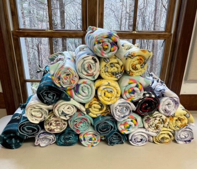 Cozy, comfortable blankets for expectant moms in need.