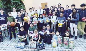 Christmas Joy with the children of MAC and Mayor Carlos Gimenez