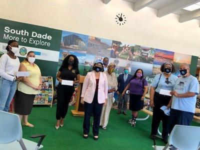 Commissioner Daniella Levine Cava stands with South Dade non-profit representatives in their fight against Covid-19.
