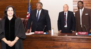 Honorable Judge Diana Gonzalez-Whtye conducted the swearing in ceremony for Mayor Wallace and Commissioners Shiver and Berry.