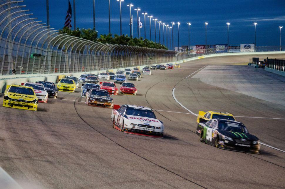 Ford 300 Race Action