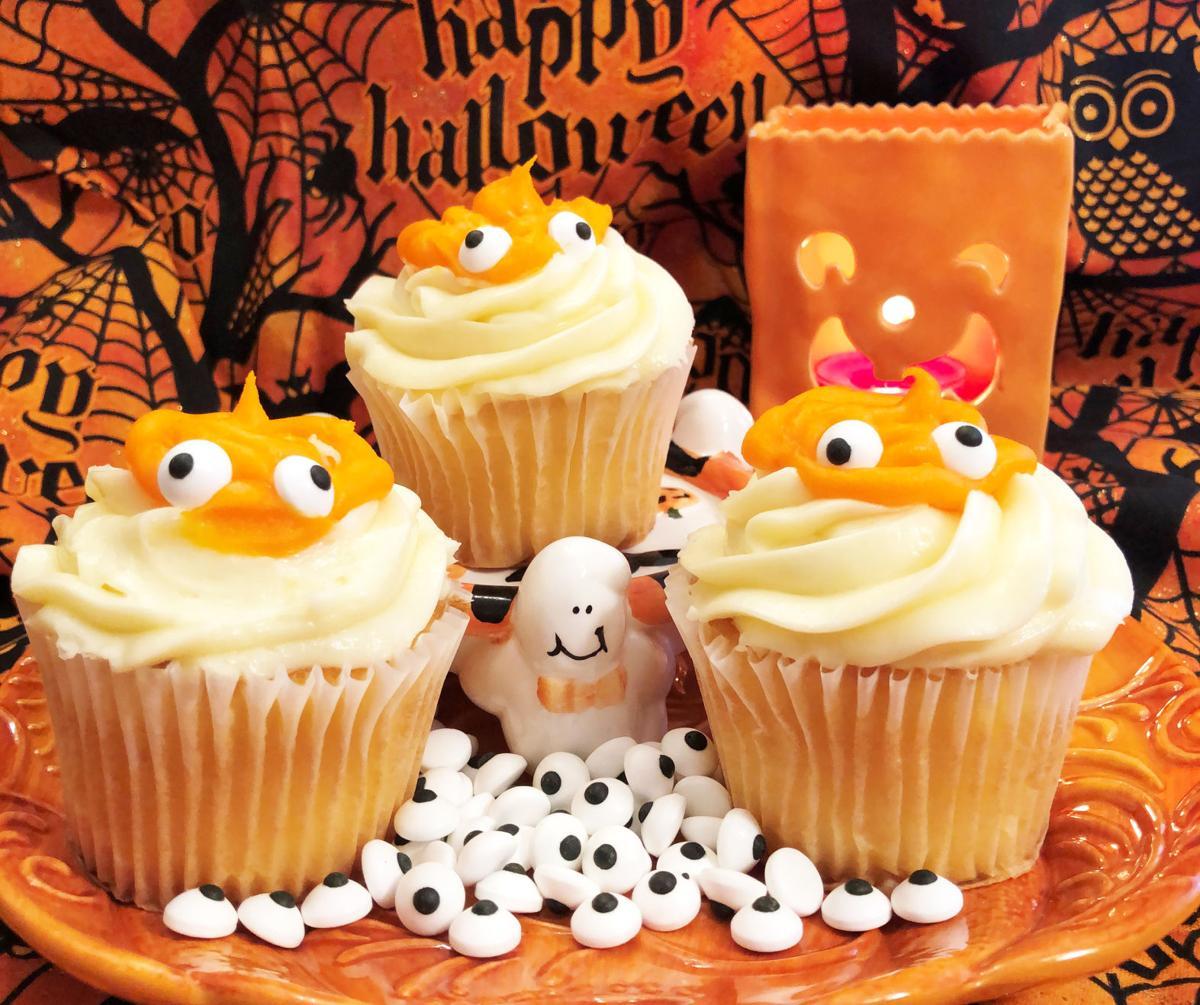 Eyeball Pumpkin Cupcakes