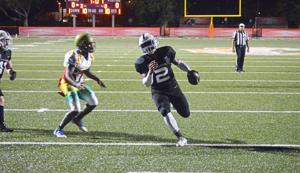 Jarvon Anderson runs into the end zone for a touchdown in the second quarter.