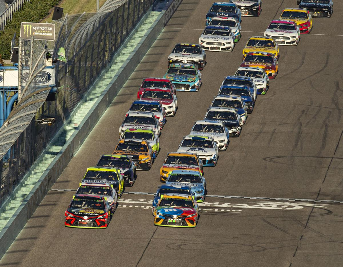 Drivers line up for the green flag during the Ford EcoBoost 400 at Homestead-Miami Speedway in November 2019.