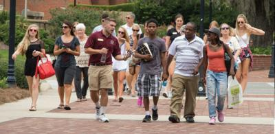 Prospective students and parents tour the campus of FSU.
