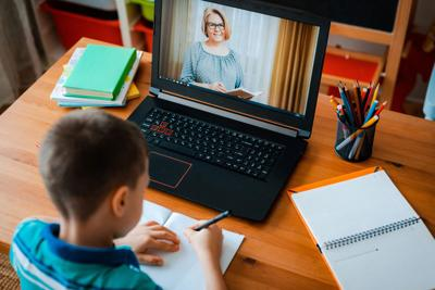 Students, teachers need tech help during pandemic, survey finds