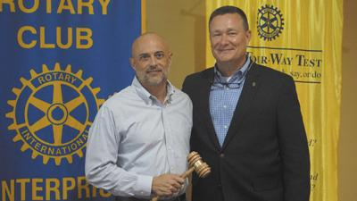 Dillard recognized as Rotary past president