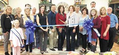 AM Designs, LLC recently held its grand opening and ribbon cutting