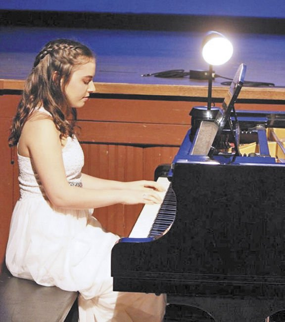 Piano performance celebrates Boll Weevil Monument