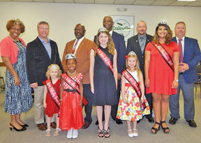Daleville queens get pinned