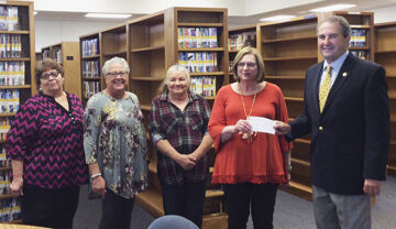 Clouse donates to Daleville library