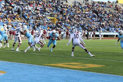 Tight Squeeze: Jaguars top Bulldogs at home