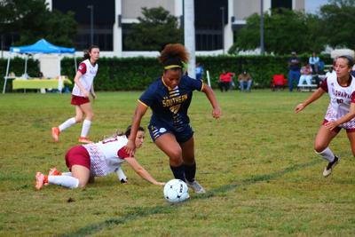 Soccer Falls To Warhawks in Weekend Play