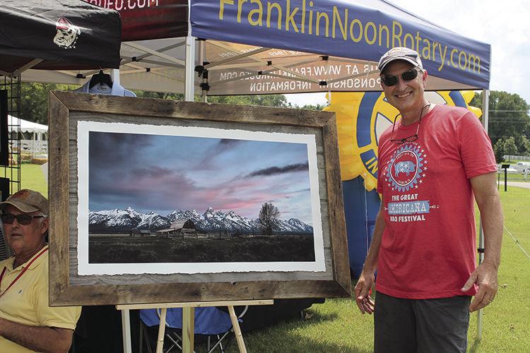 Franklin Rotary President and photographer Tom Thomson