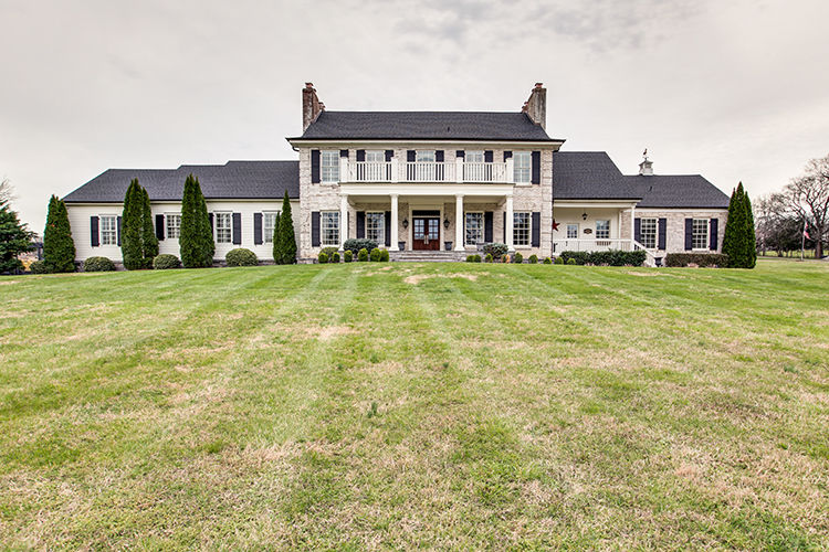 Spectacular Country Home on Old Smyrna Road