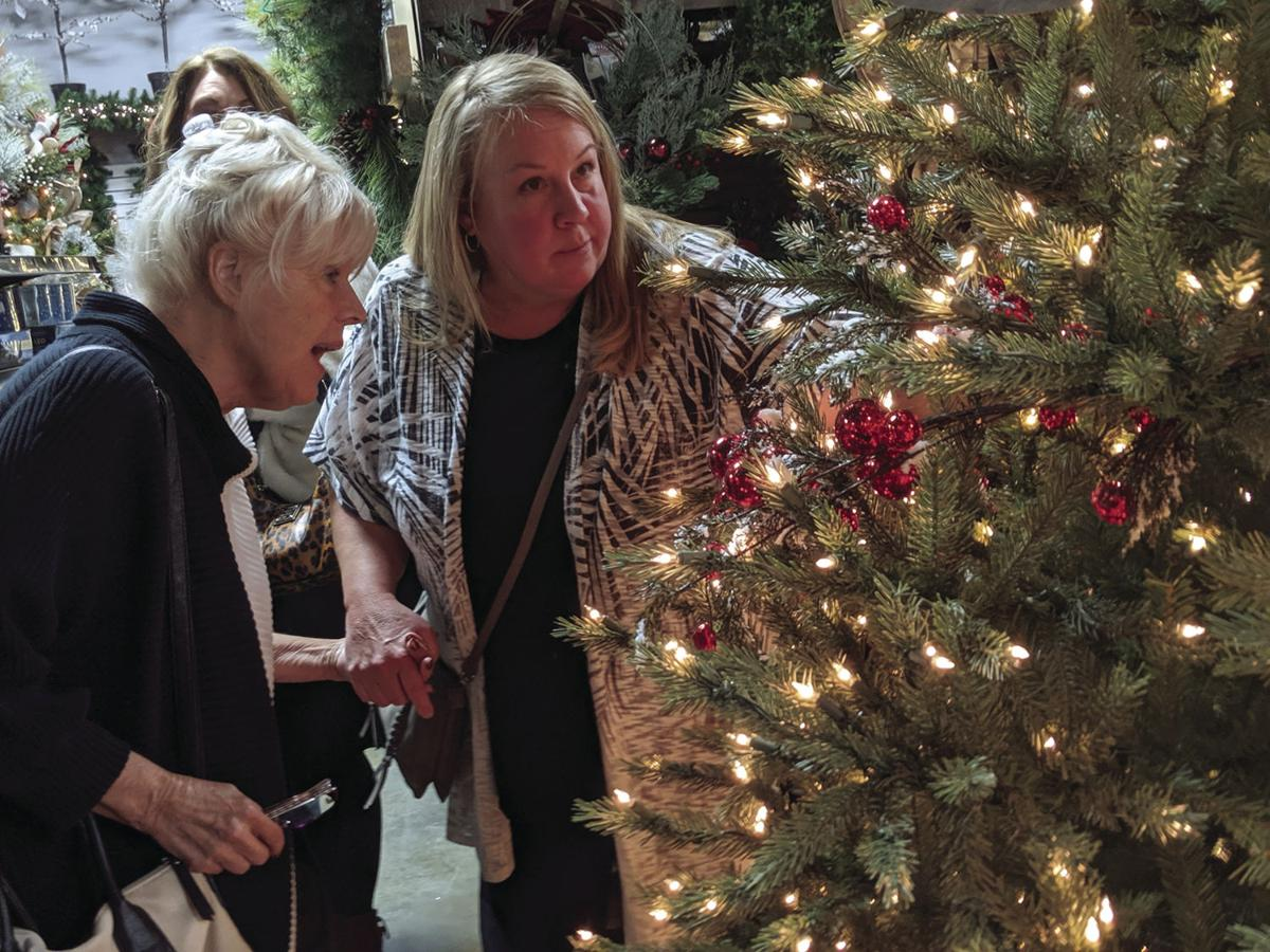 Mingle & Jingle at Harpeth True Value Holiday Open House