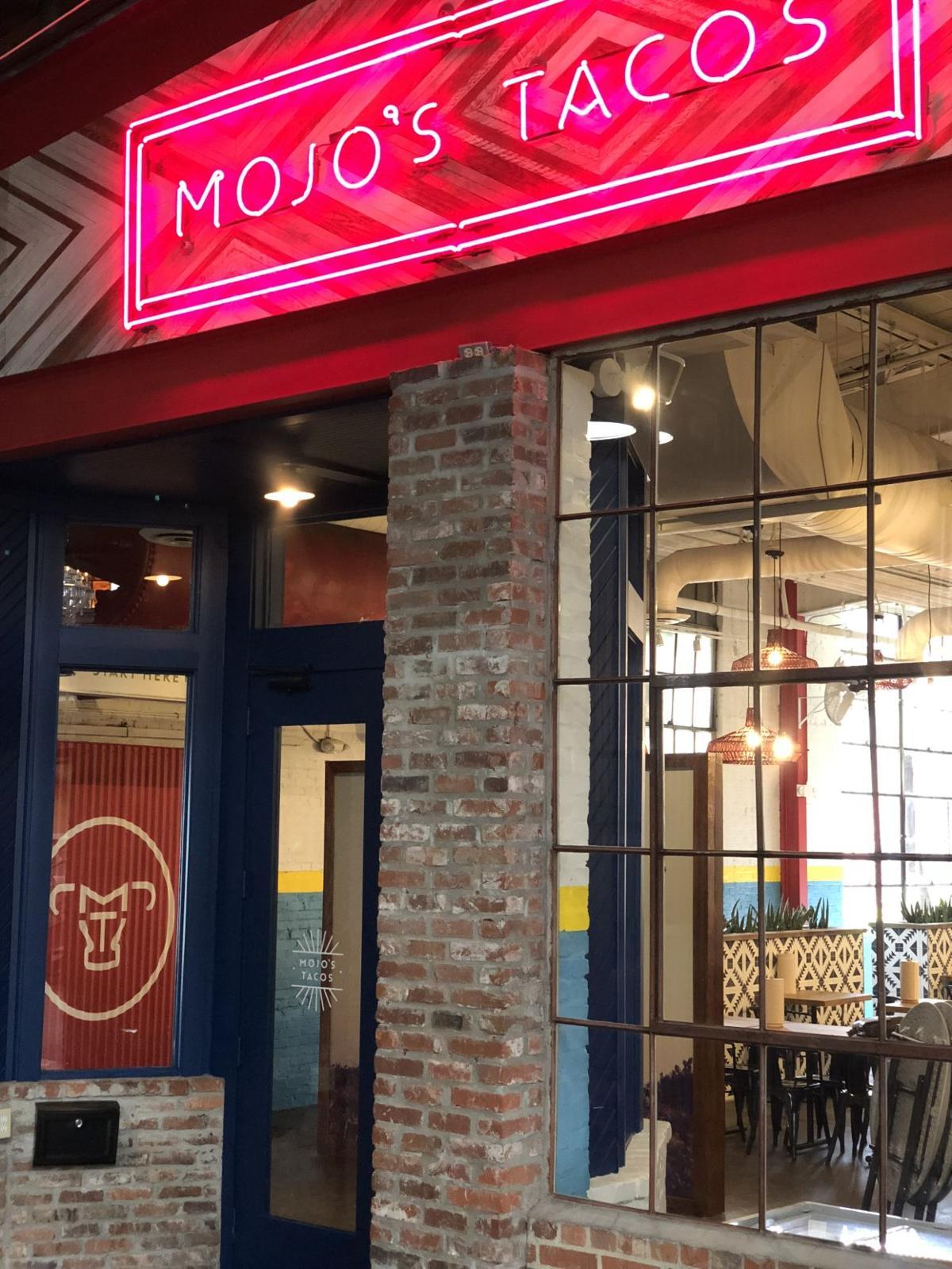 Mojos Neon Sign
