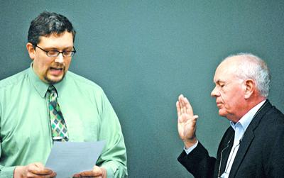 Faribault School Board member John Currie sworn in