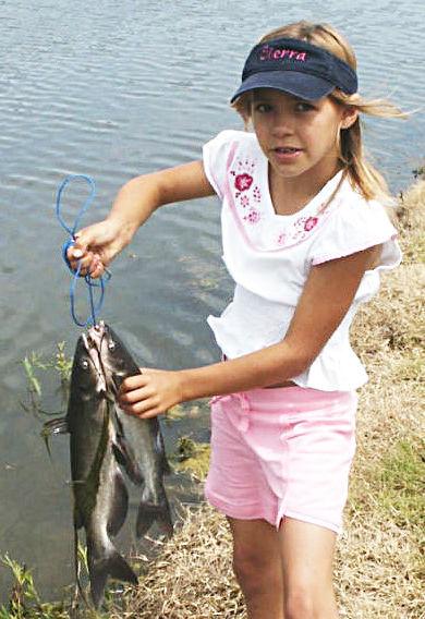 girl_fishing2_USFWS.jpg