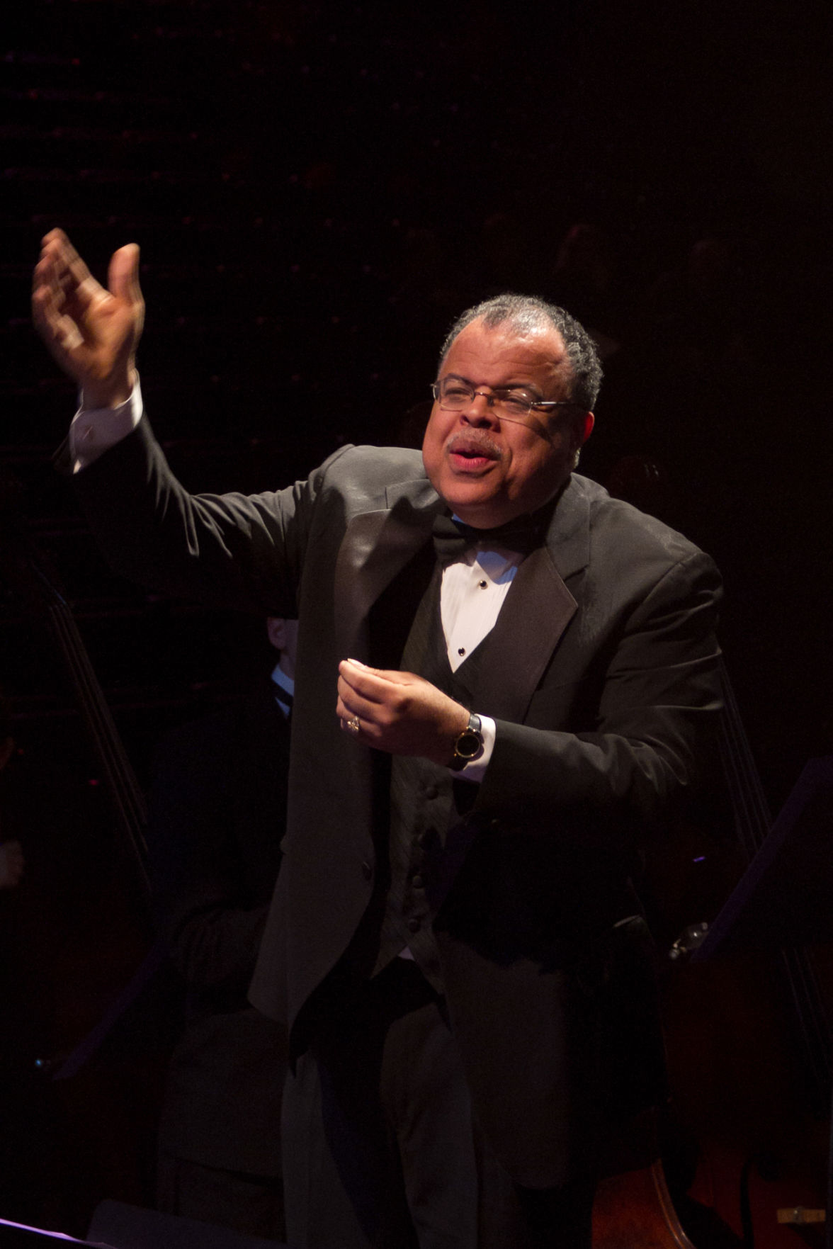 right st olaf college festival artistic director anton armstrong directs a performance at last years christmas festival - St Olaf Christmas Festival