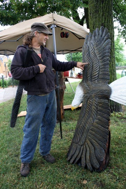 Nerstrand chainsaw artist thrives in three dimension