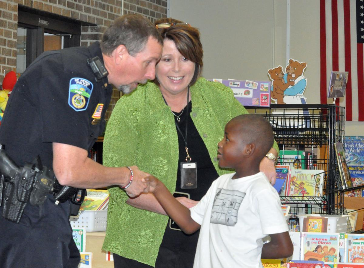 St. Peter police thanked by South Elementary students