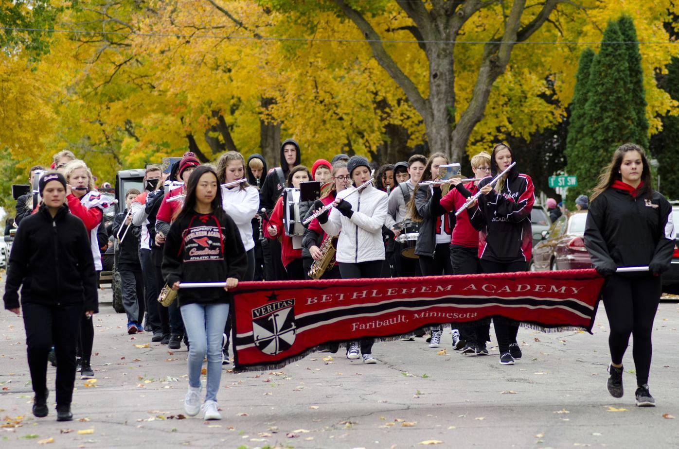 BA homecoming parade/band