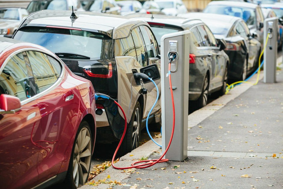 Downtown businesses voice interest in electric car charging stations