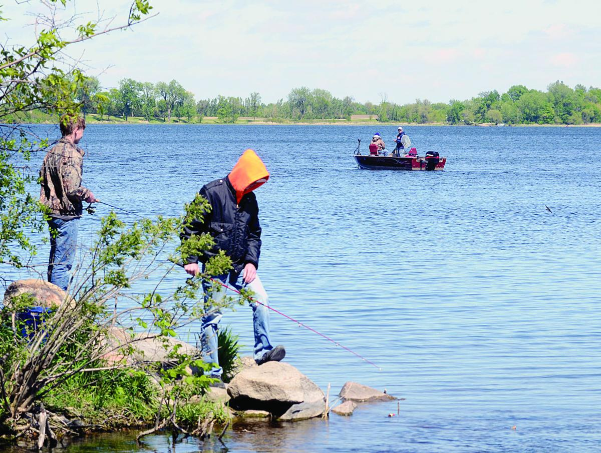 Summer recreation fishing hot spots in southern minnesota for Fishing spots near me no boat