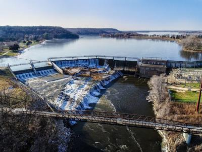 Lake Byllesby Dam