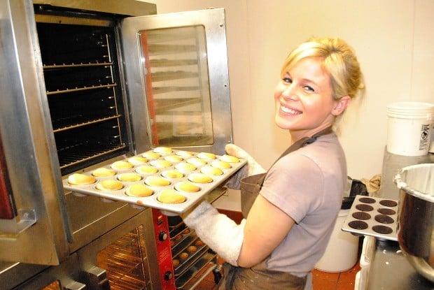Jody Breathwaite baking cupcakes