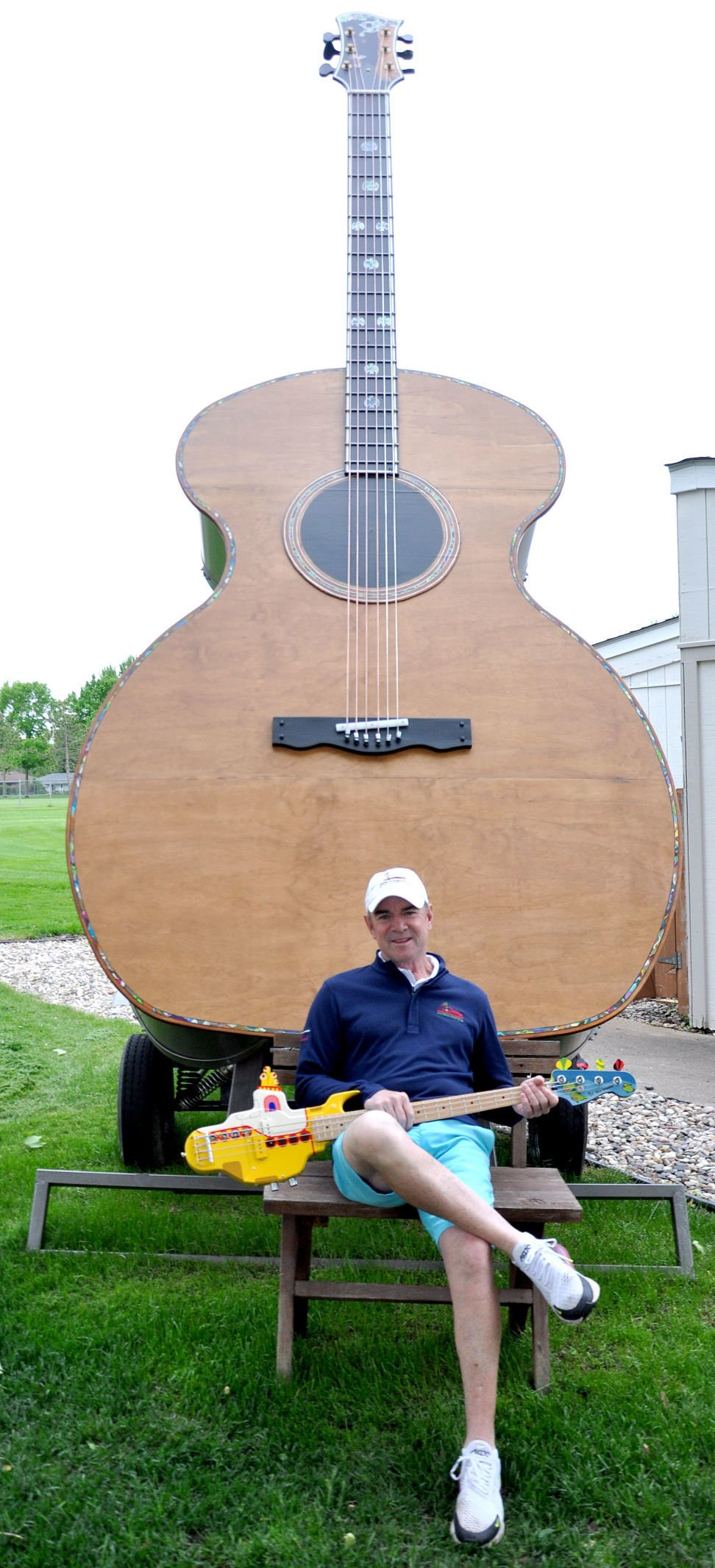 Montgomery golf guitar