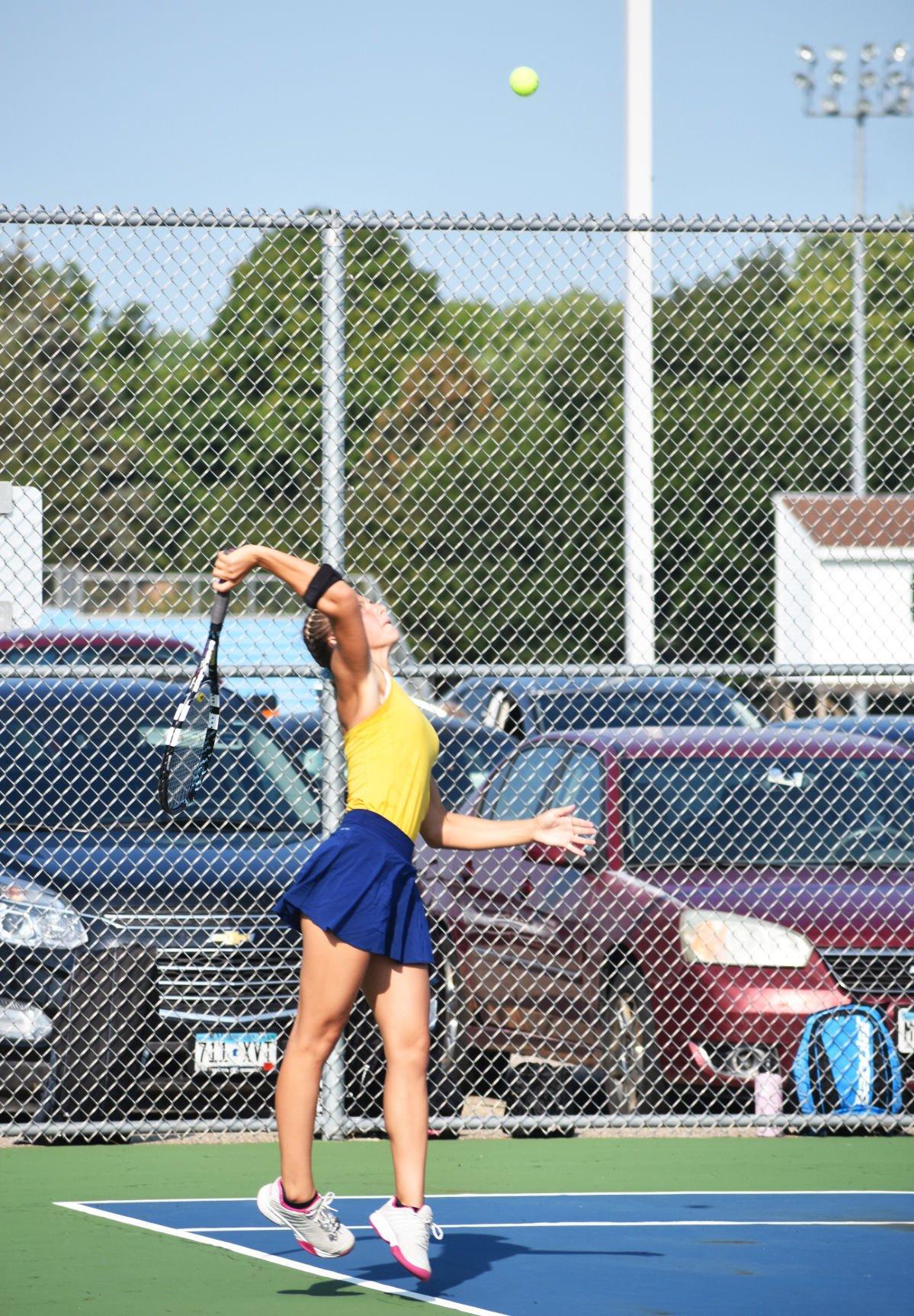 9.2 LS-H Tennis Chloe Brandt