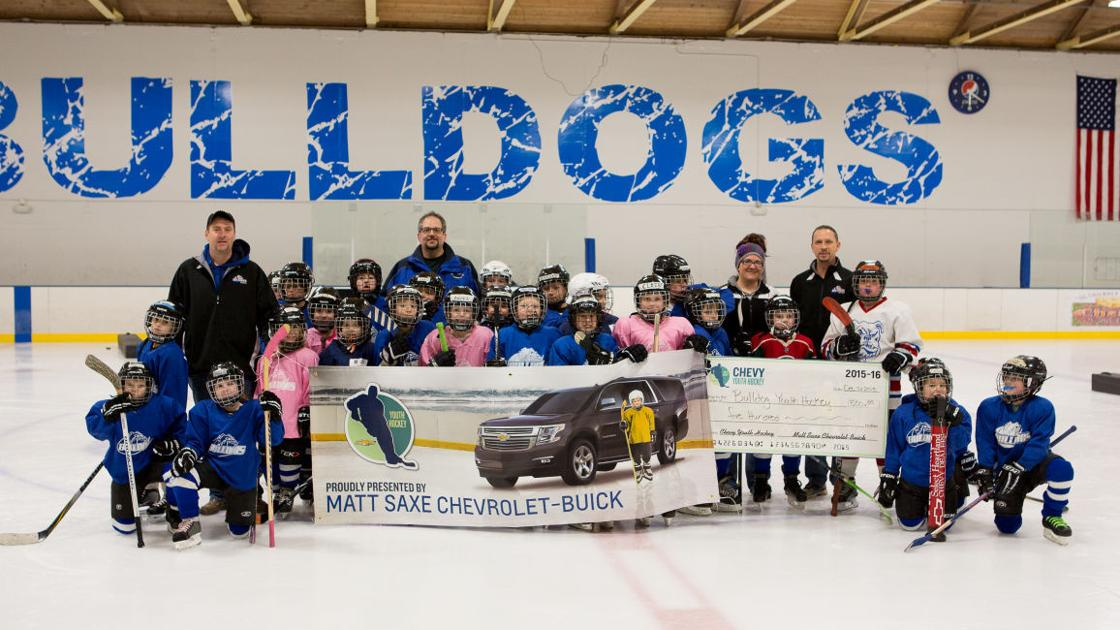 bulldog youth hockey association receives donation from matt saxe chevrolet buick community southernminn com bulldog youth hockey association