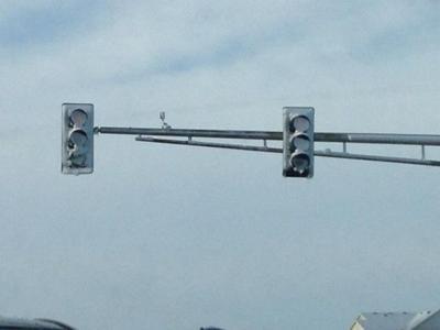 Snowy stoplight