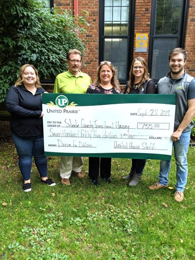 United Prairie Banks donates to Transitional Housing