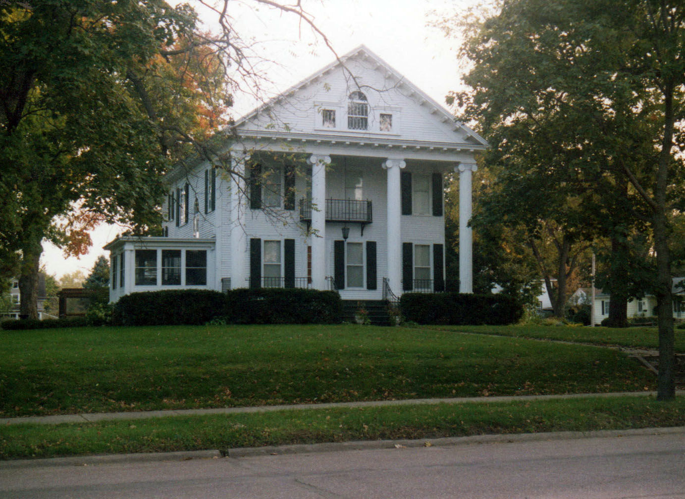 Modern Ward House