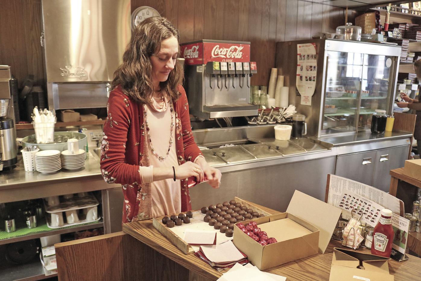 Julie Schultz, Costas Candies