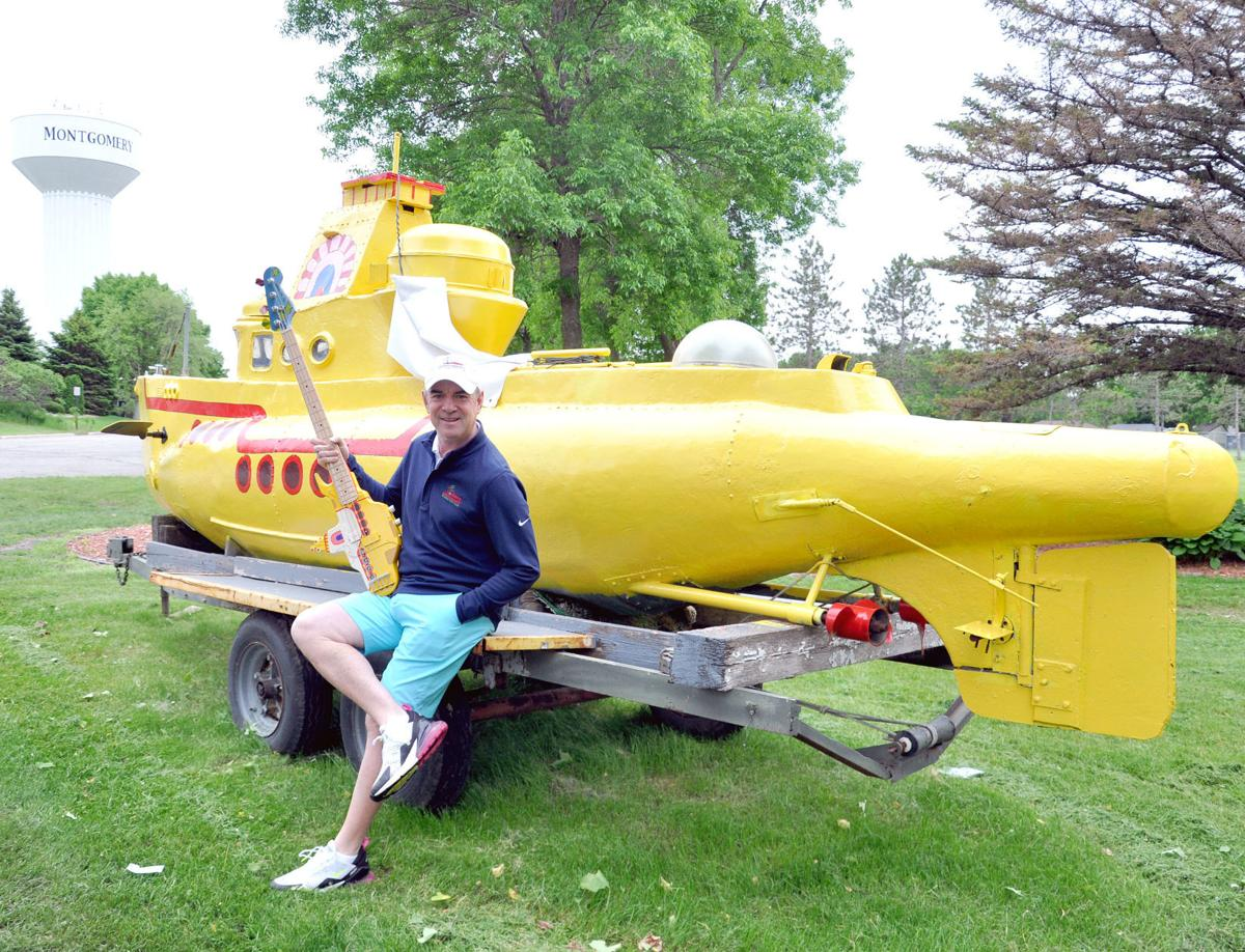 Montgomery golf Yellow submarine