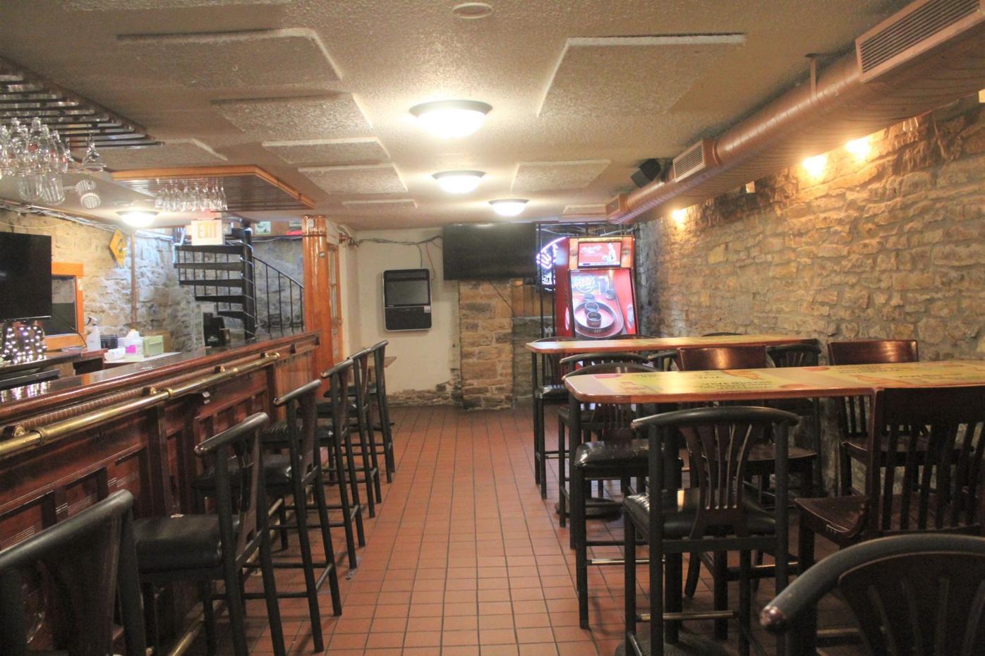 Restaurant feature 2