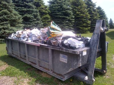 Le Center council debates using a commercial recycling