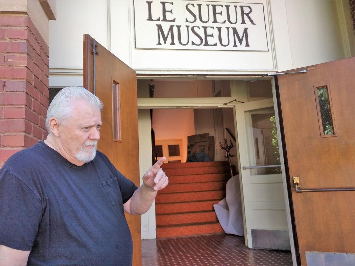 Leaving Le Sueur