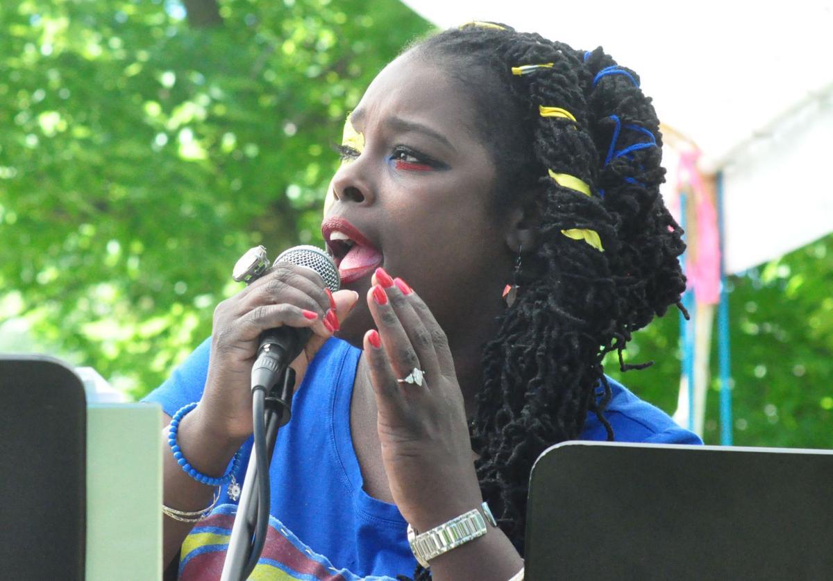Naomi sings