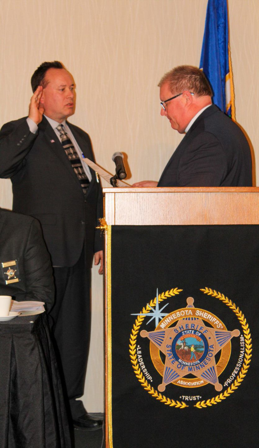 Sheriff Dunn swearing in.jpg
