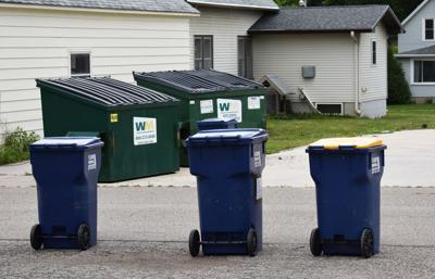 Trash/recycling bins