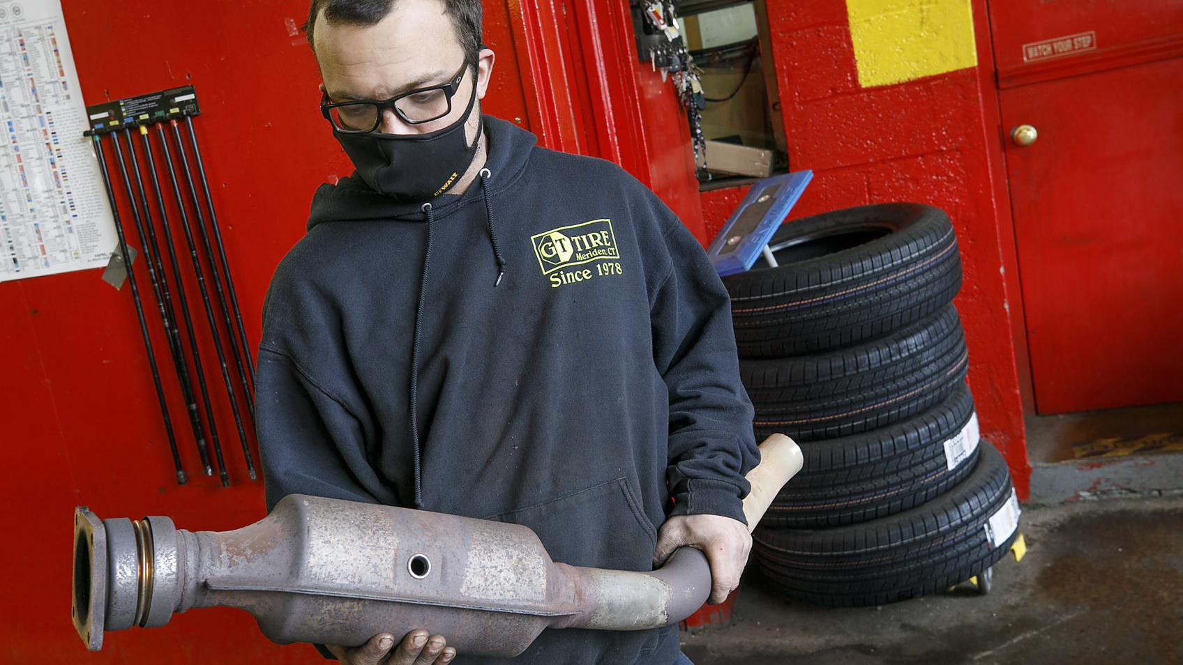 Sheriff's Department, auto repair shops partners to deter catalytic converter thefts